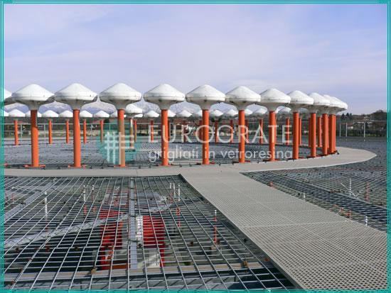 caillebotis installés en présence de radars aéroportuaires