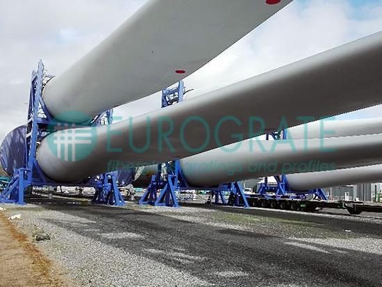 Structures autoporteuses pour le soutien des mâts éoliens