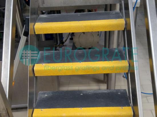 Couvre-marches pour la sécurité des escaliers métalliques