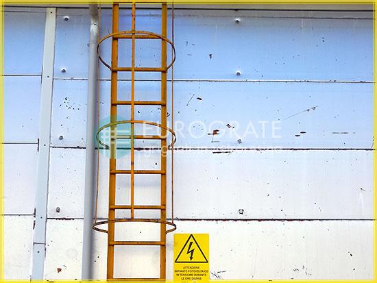 Couvre-barreaux destinés aux échelles à crinoline